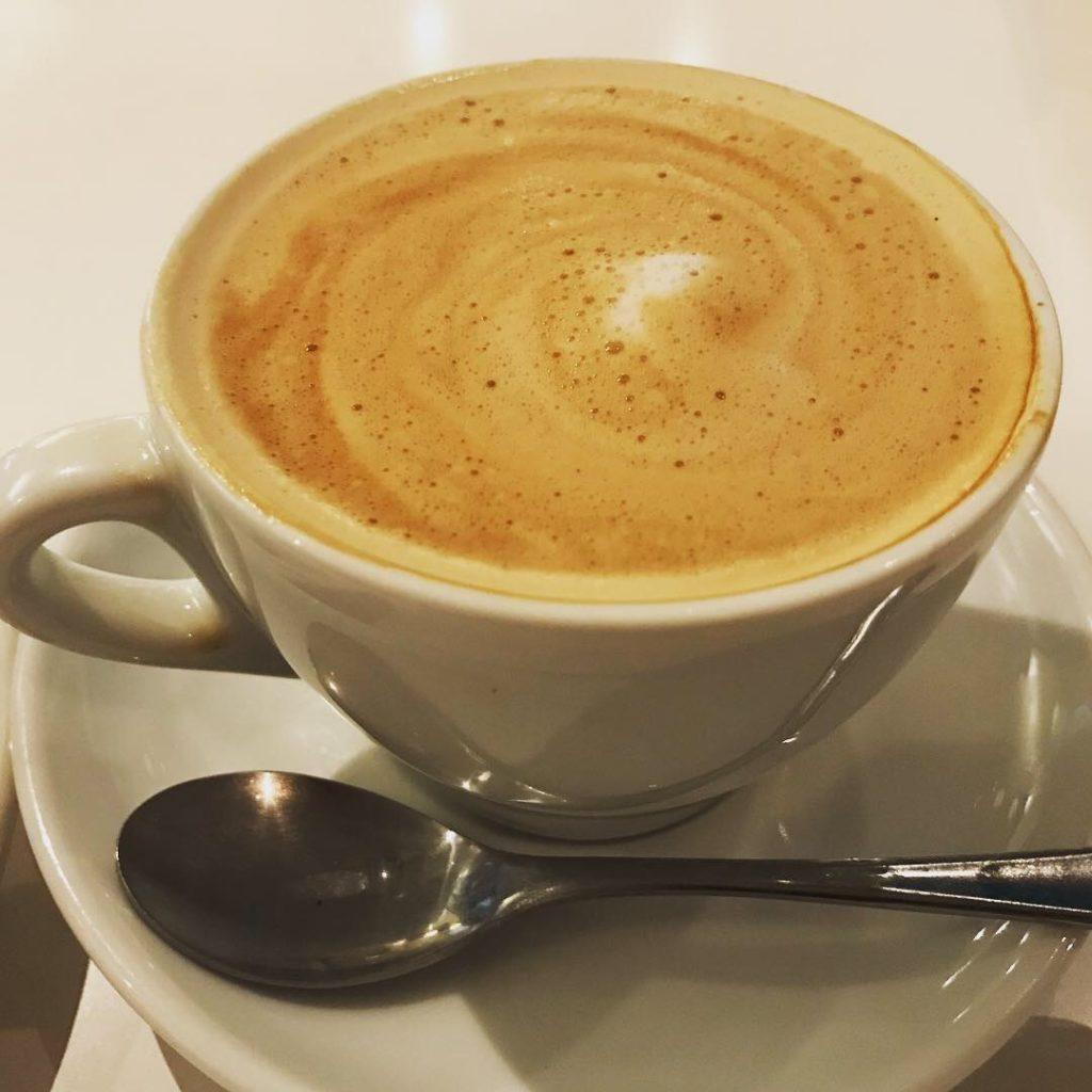 fanspacecafe-cafelatte