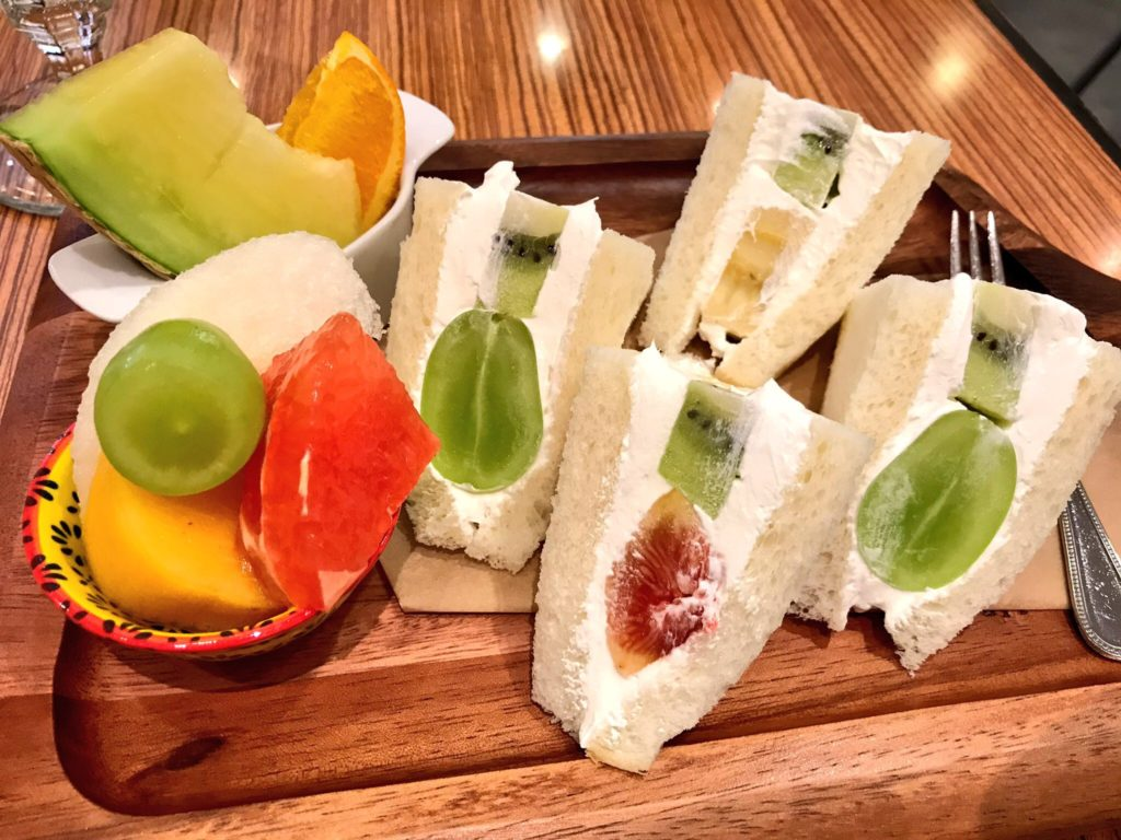 mikifruit-fruitsandwich1