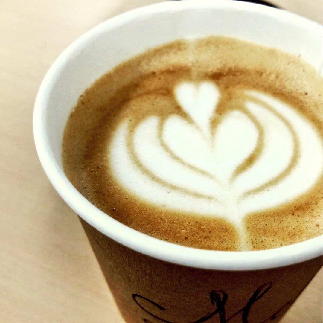 mel-coffee-cafelatte1