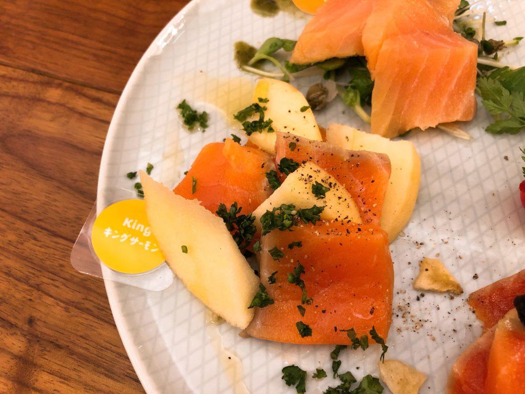 salmonbear-smokesalmon2